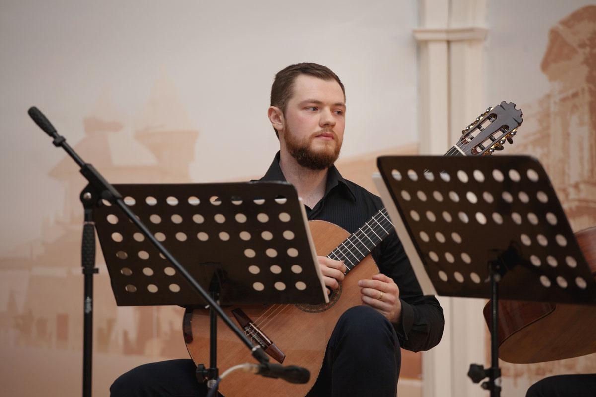 24 февраля Концерт дуэта Александра Артёмова и Данила Бычкова
